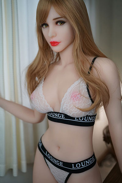 flat chested tpe sex doll Colette