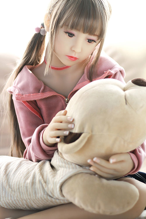 most realistic little sex doll Hanami